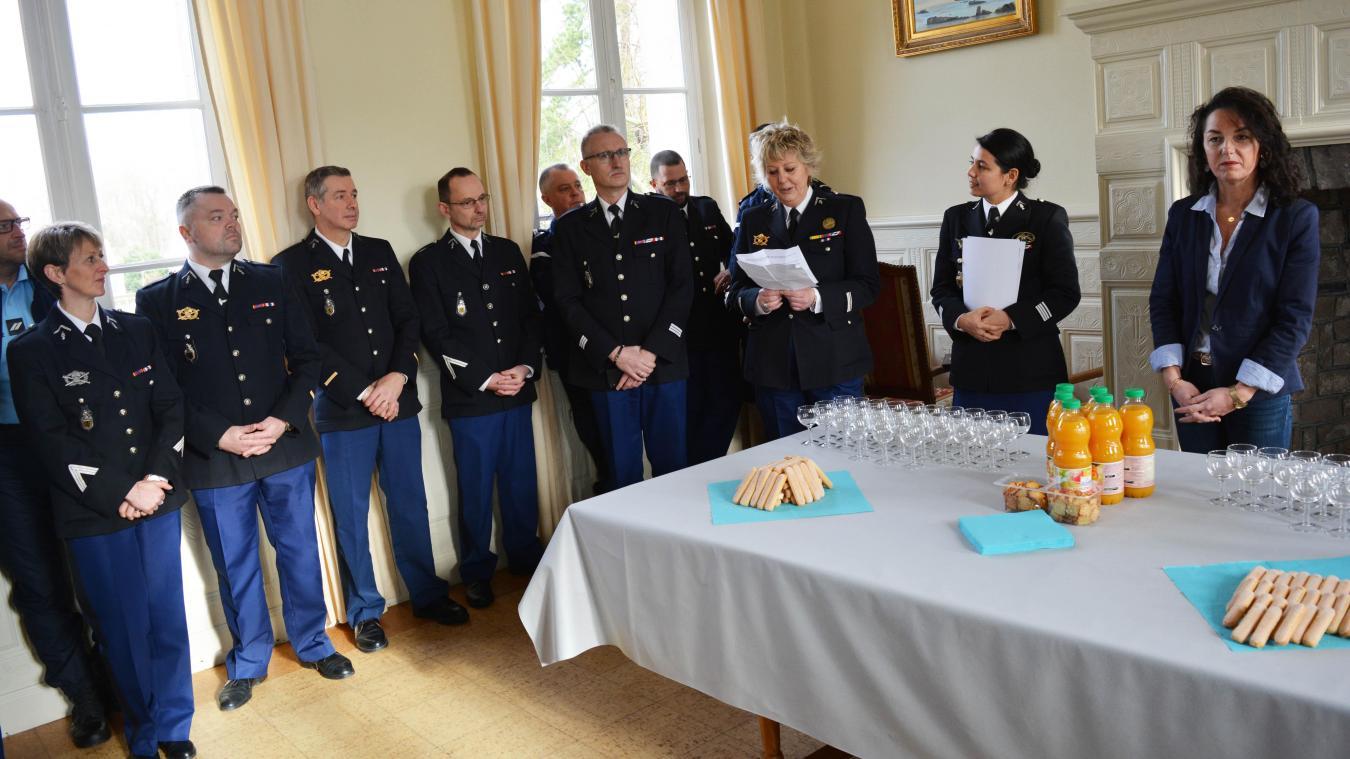 Les gendarmes Dewerdt et Quesnel ont été mis à l'honneur mercredi dernier.