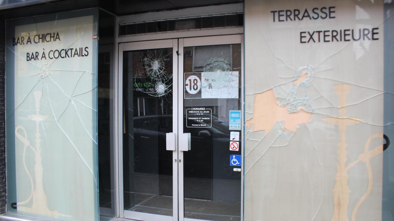 Béthune : il fracasse la vitrine d'un bar à coups de hache