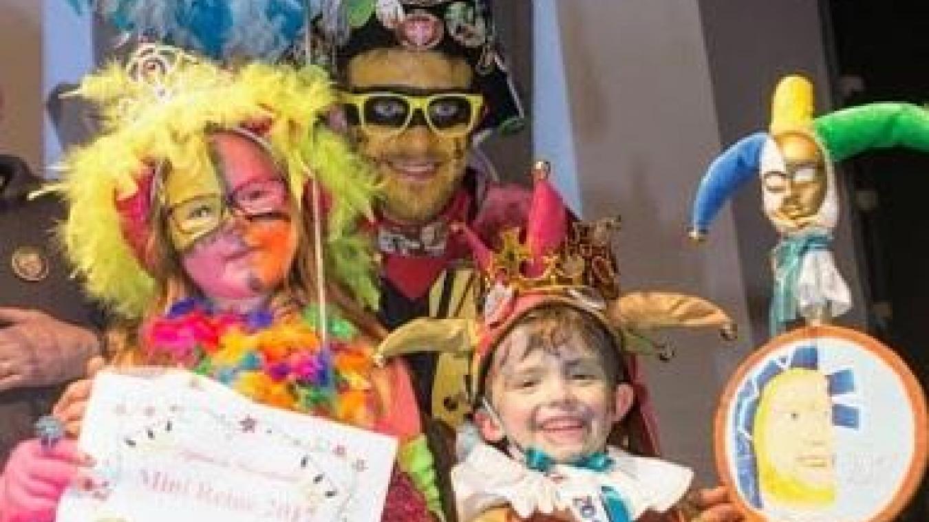 La mini-reine et le mini-prince sont élus lors  du bal enfantin.