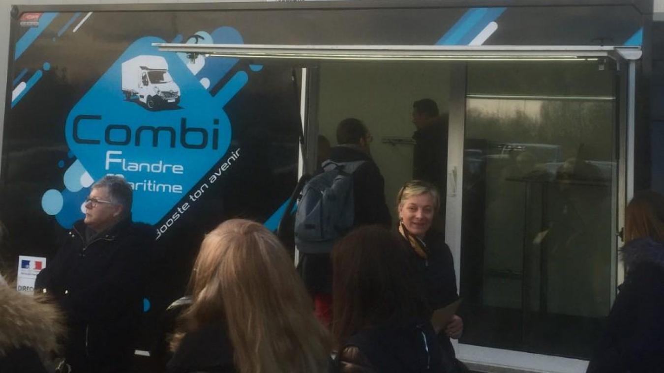Le Combi FM permet aux jeunes de trouver des réponses à leurs questions.