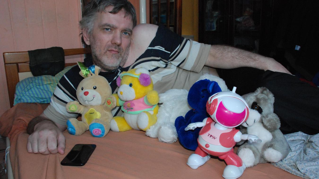 Handicapé par une maladie orpheline, Claude Gareau tourne son regard vers les autres.