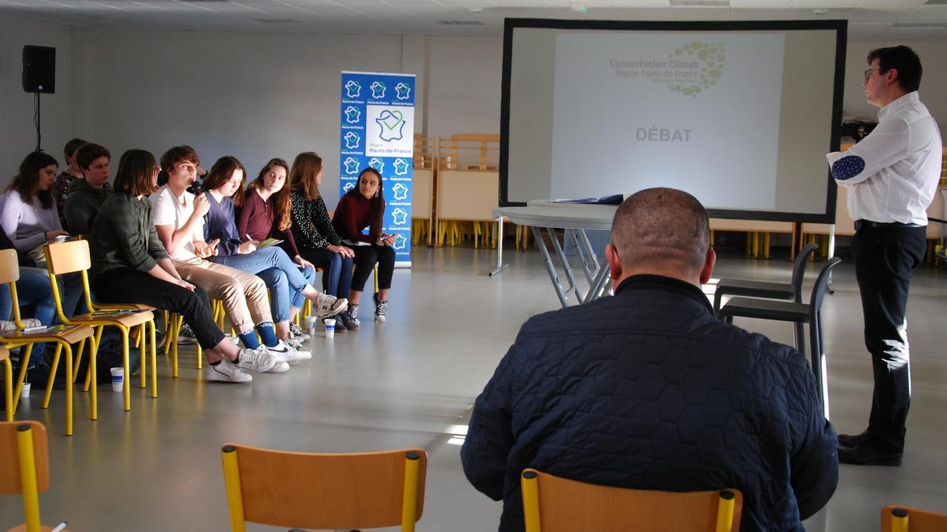 Une trentaine de lycéens, venus d'Hazebrouck, de Hoymille et d'Aire-sur-la-Lys, ont participé à la rencontre organisée par la Région.