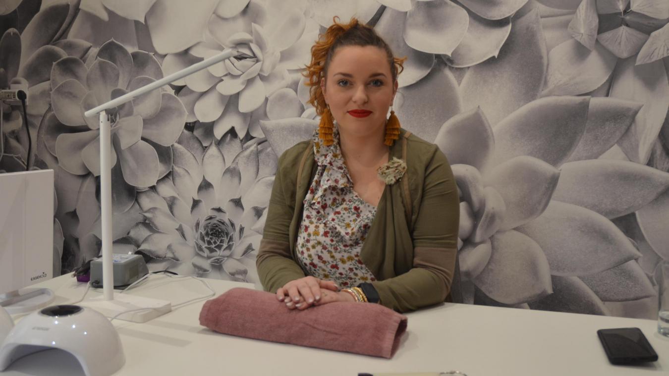 Camille Calmels fait aussi du maquillage artistique et des ateliers maquillage en groupe.