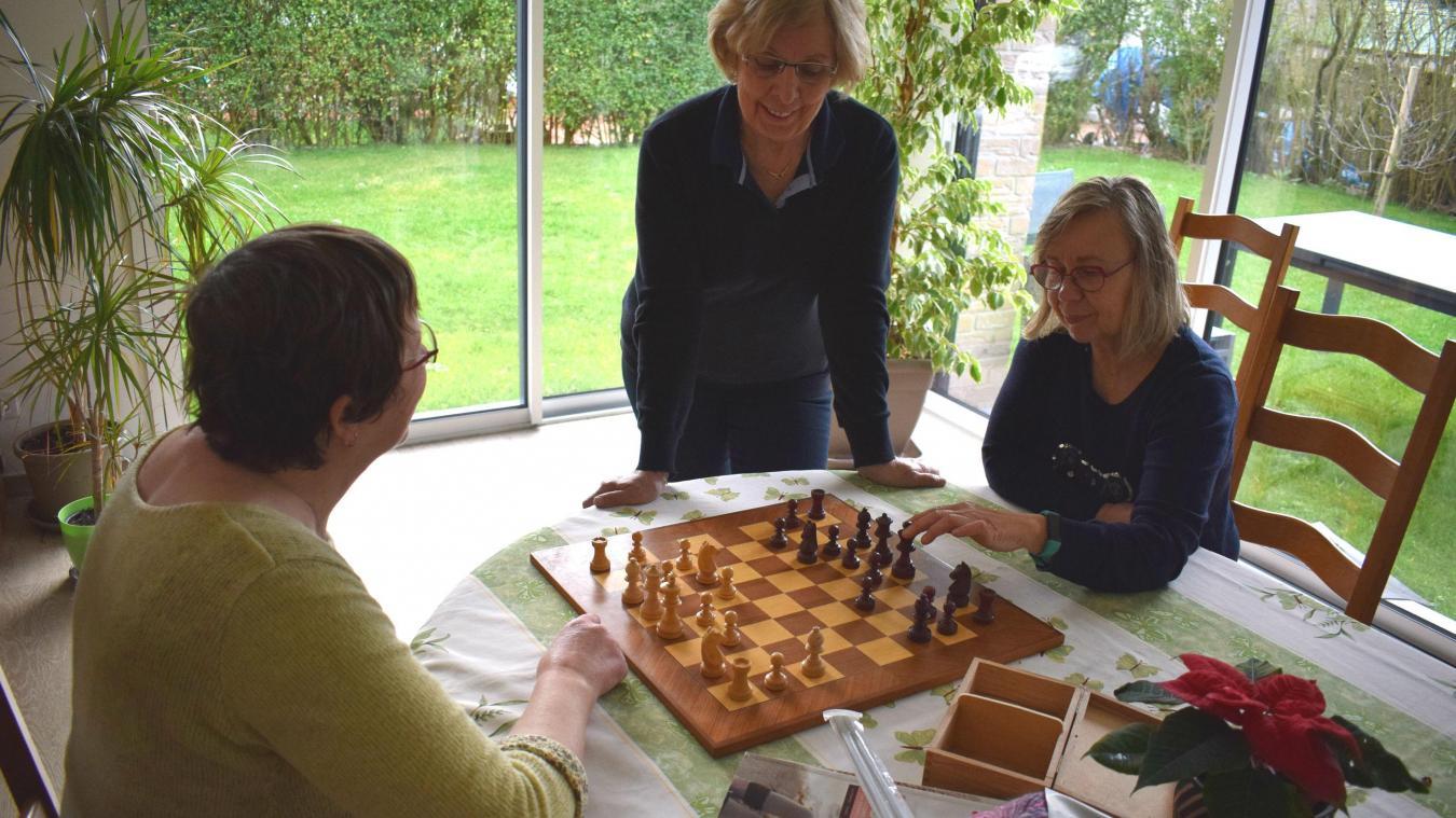 L'initiation au jeu d'échecs est une des nouvelles activités que propose l'association.