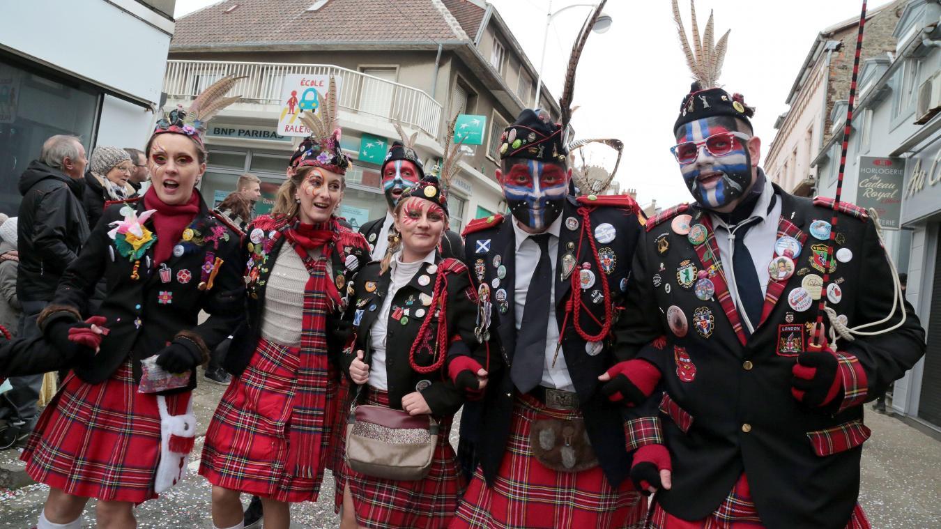 Les Écossais sont toujours nombreux au Portel, comme à Dunkerque d'ailleurs, ils font partie de ces traditions du carnaval qui ne se perdent pas.