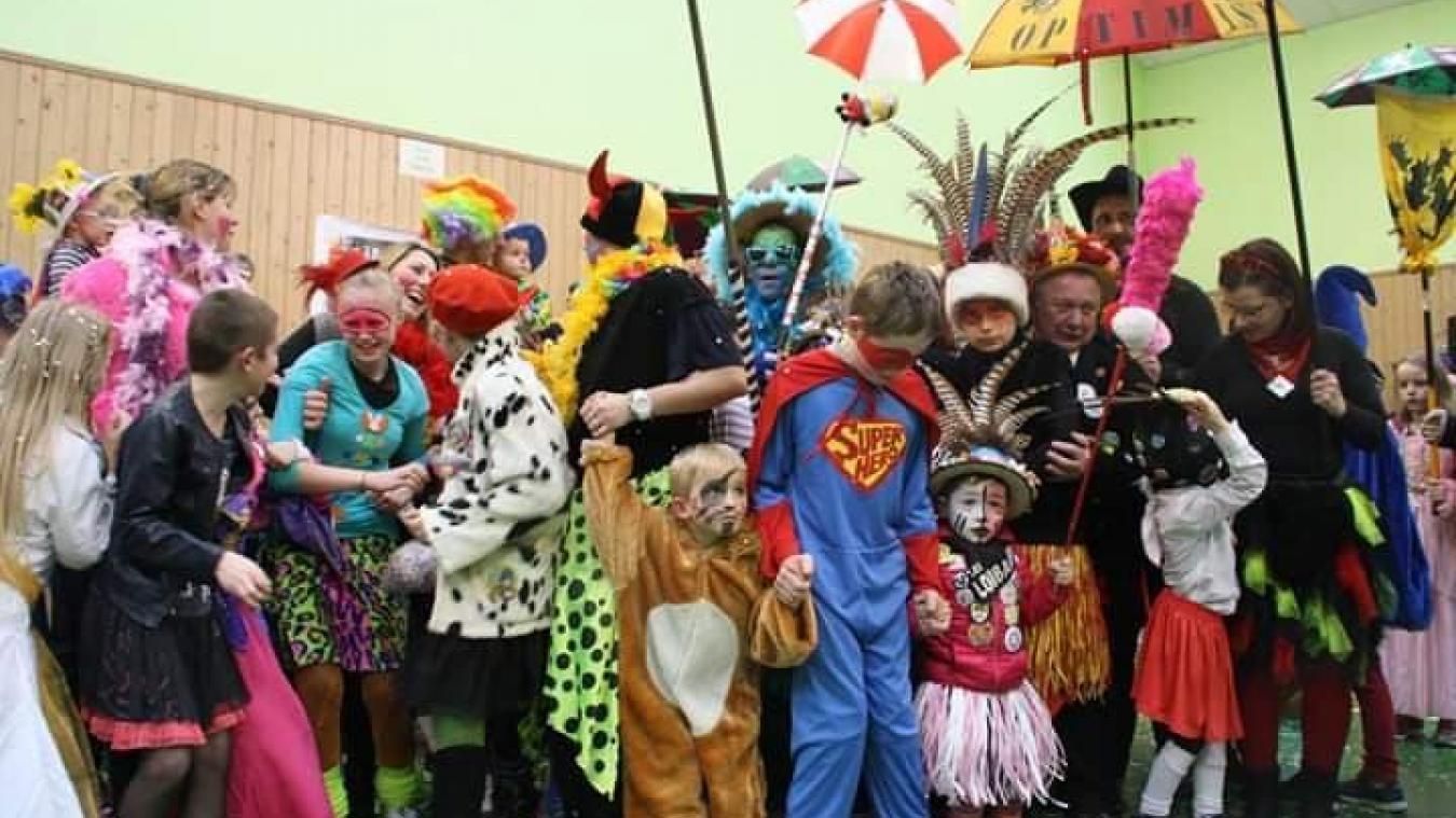 Chaque année, environ 250 enfants participent au bal des Chucheurs.