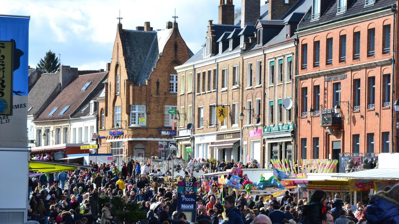 Cassel est l'une des villes les plus touristiques de Flandre, un attrait renforcé par les expos du musée et le titre de Village préféré des Français en 2018.