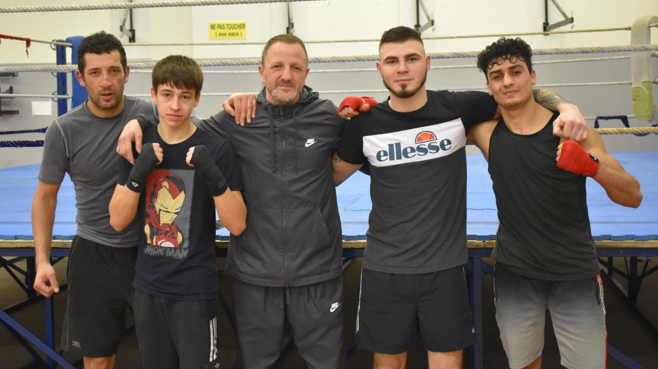 De gauche à droite : Ali Yammouni, Théo Lemoine, Mohamed Keteb, Florian Bruneval et Wais Hotak. Les quatre boxeurs seront sur le ring ce soir.