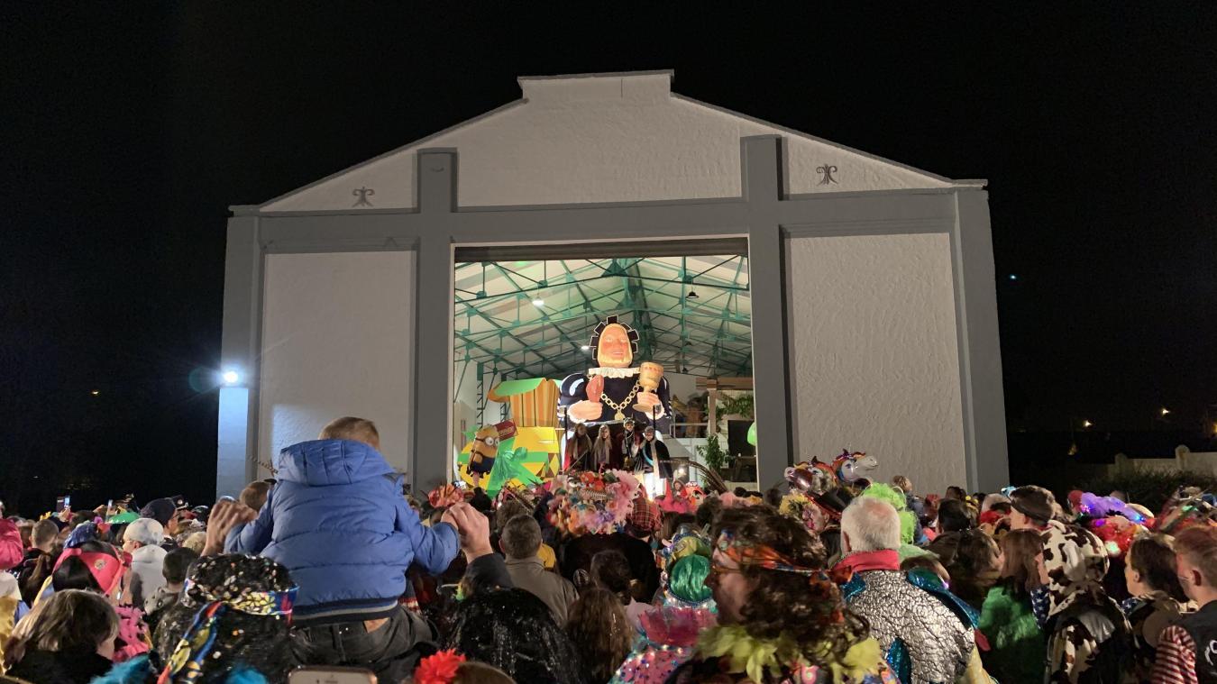 Gargantua est sorti de son hangar vendredi soir pour cinq jours de fête.