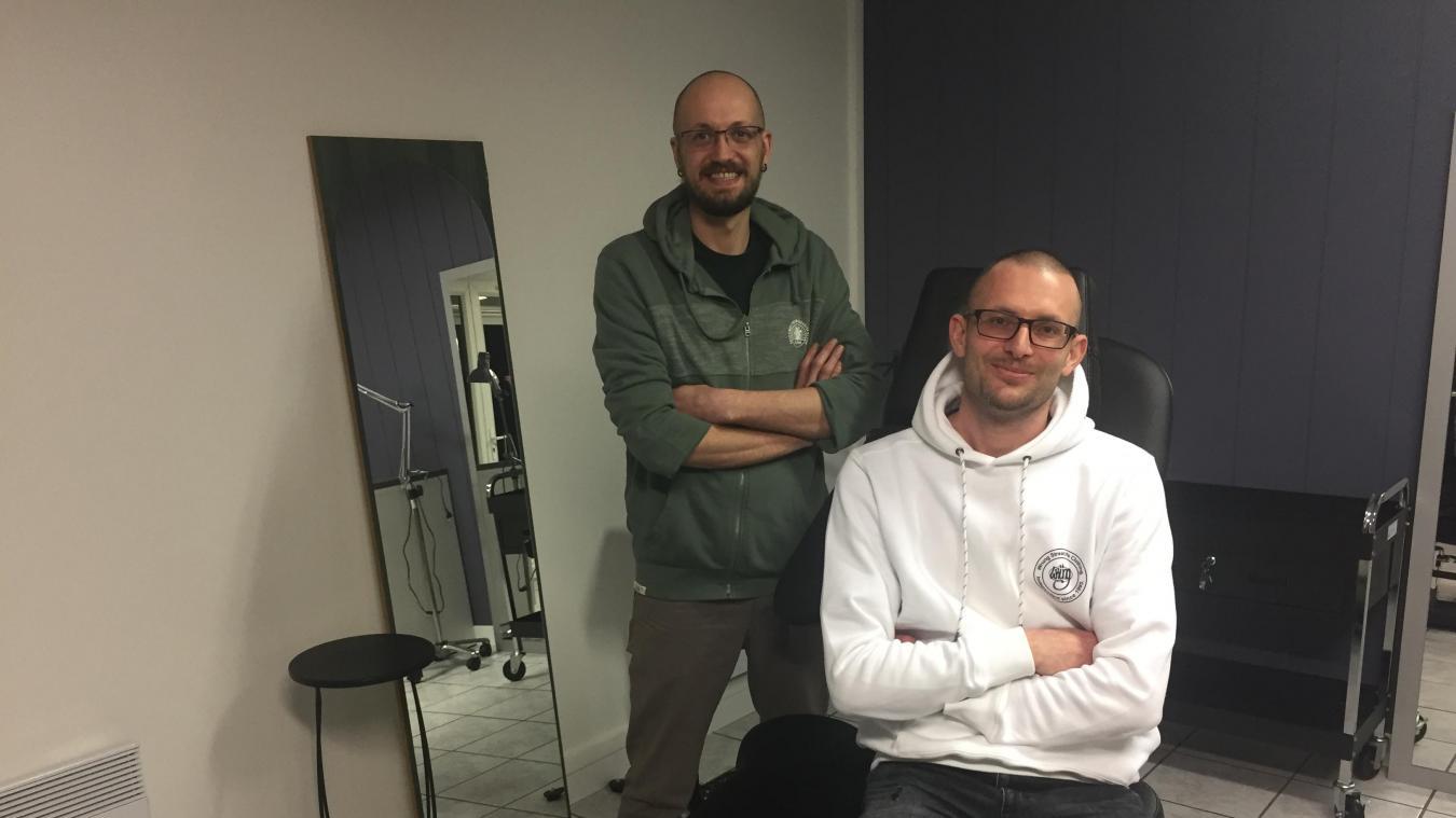 James Denimal (à gauche) et Sébastien Petit viennent d'ouvrir leur salon de tatouage au Beau-Marais.