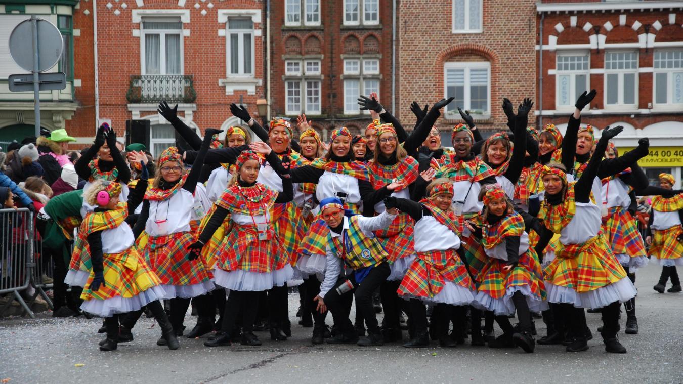 Les groupes ont défilé dimanche 23 février dans les rues de Bailleul.
