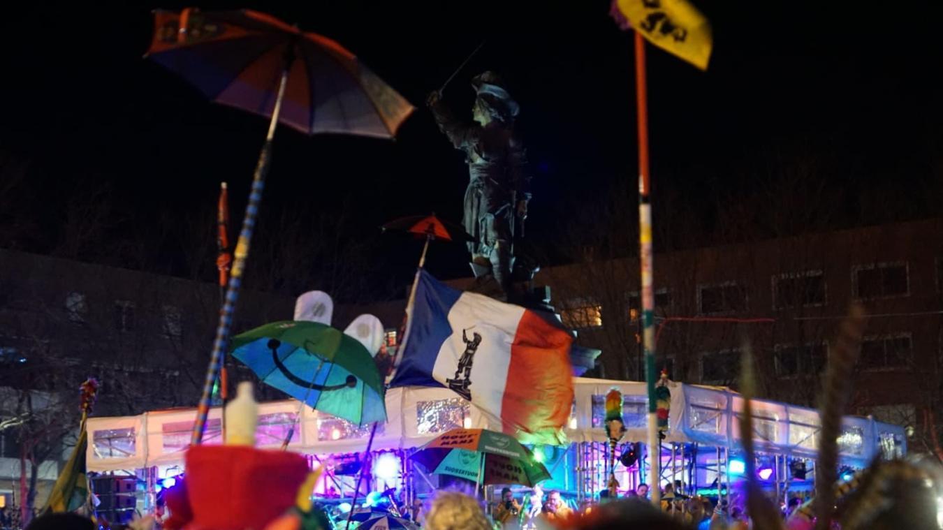 Jean Bart veille sur les carnavaleux.