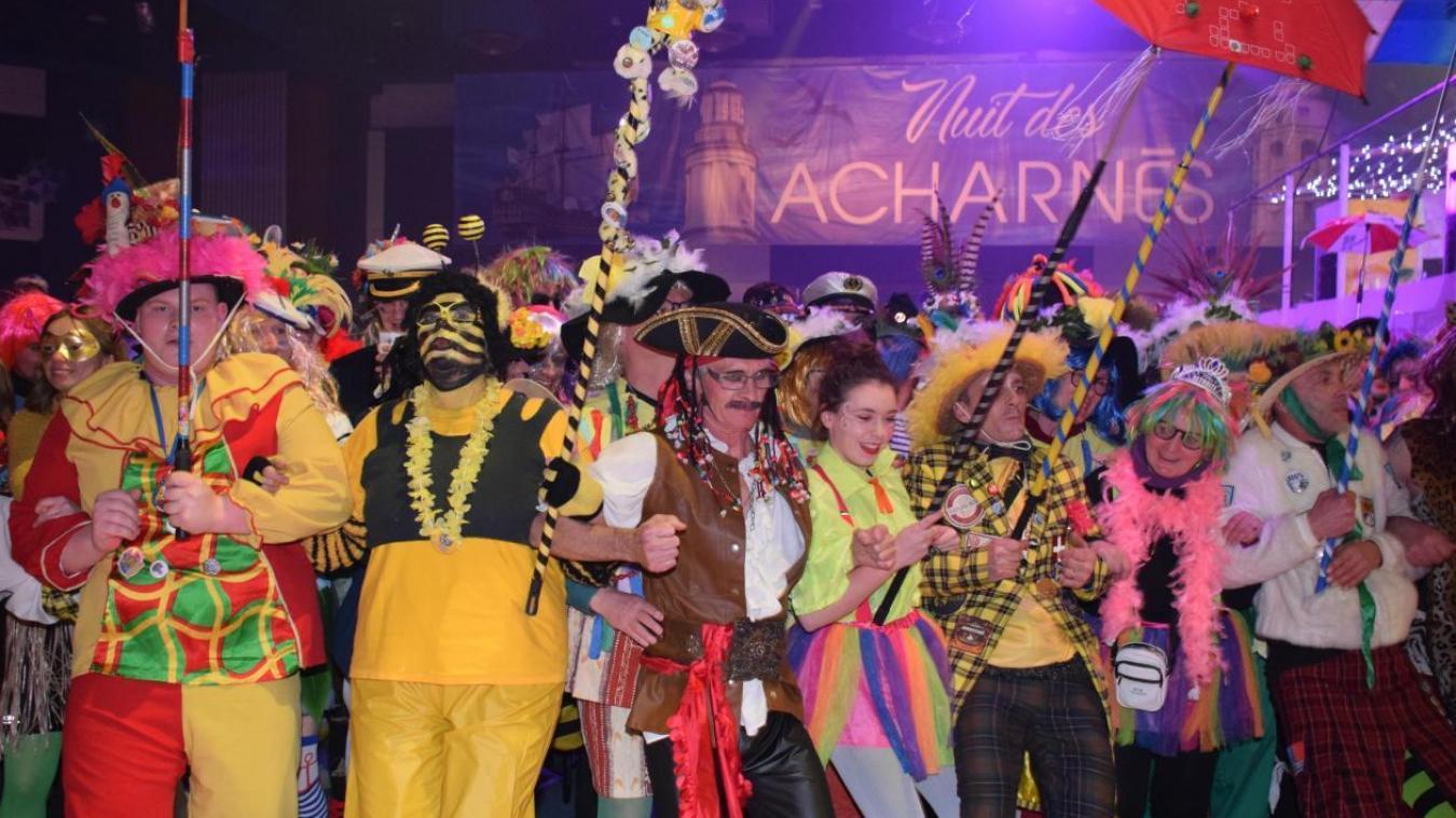 Les Nantais ont fait le bal des Acharnés du dimanche soir. Ils ont préféré au bal des Corsaires de l'année dernière. « Il y avait moins de monde, on a retrouvé un peu l'authenticité du carnaval », rapporte Jean.