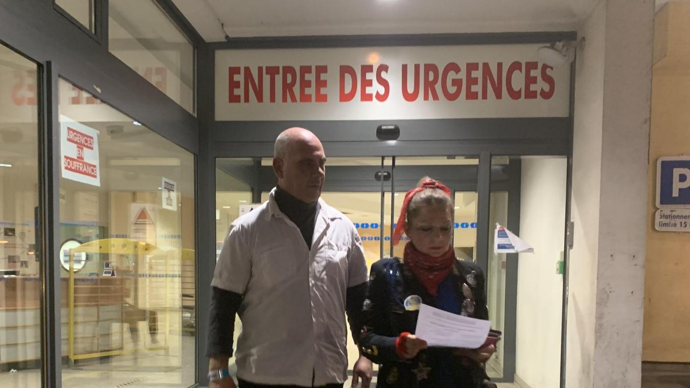Reynald a pu quitter le service des urgences de l'hôpital, en compagnie de sa femme, Jessica, une fois tout risque d'accident vasculaire cérébral (AVC) écarté.