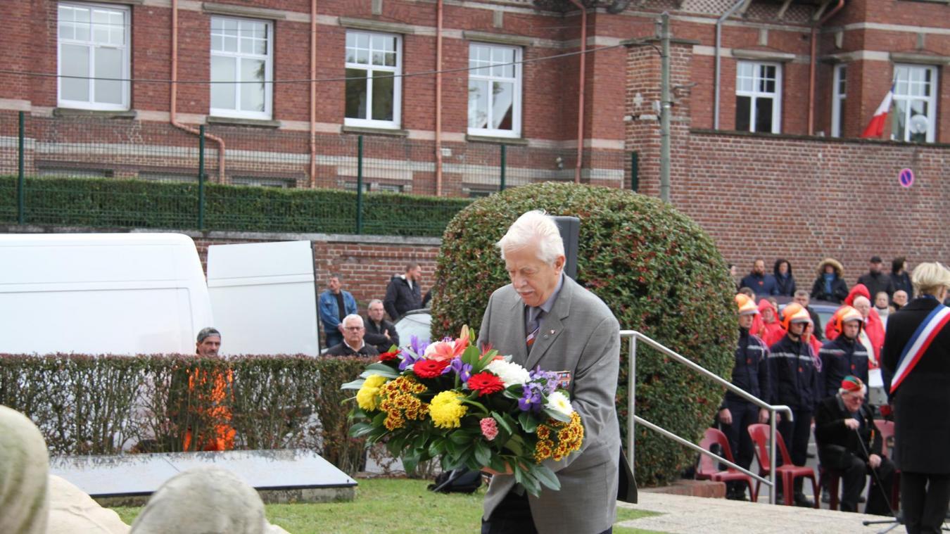 Michel Courtin, président, lors de la cérémonie commémorative du 11-novembre à Auchel.