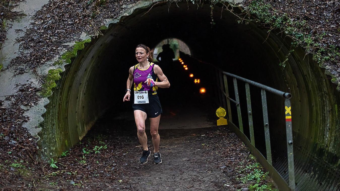 Les coureuses vont devoir patienter pour s'amuser sur le parcours nature proposé à la F-Day Run.