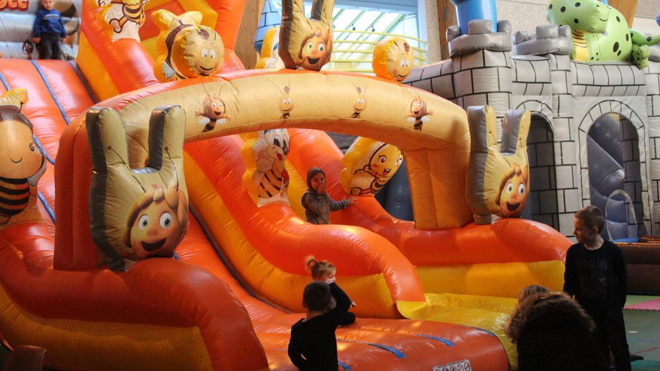 15 structures gonflables vont amuser les enfants de 2 à 15 ans.