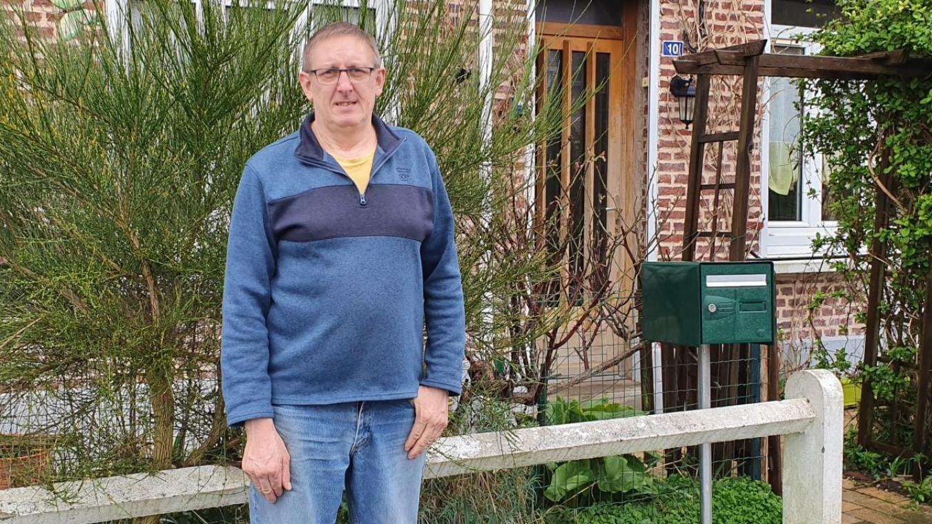 Manuel Haultcoeur, président du club des Palots de Angres, pousse un coup de gueule contre le goudronnage des sentiers.