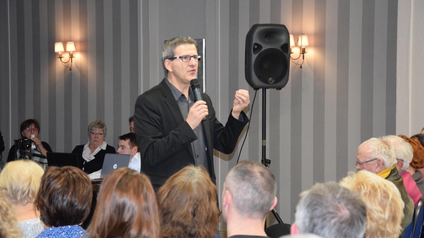 Jean-Luc Bouvier, tête de liste « Berck passionnément » s'est exprimé devant une salle comble.