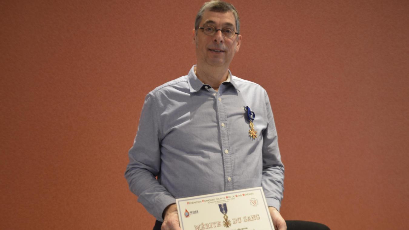 Le 9 février, Hervé Devriendt a reçu le diplôme du mérite du sang.