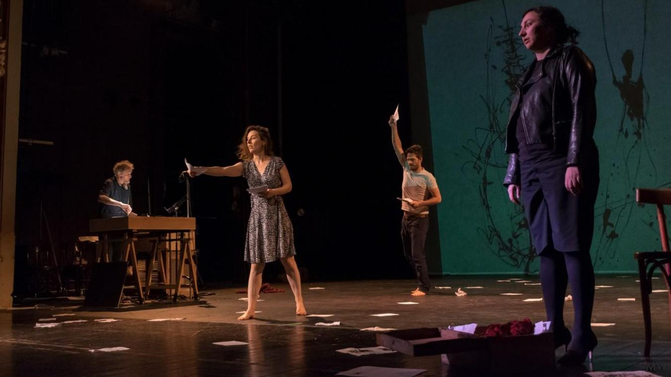 Le vol: du théâtre d'exil à Calais