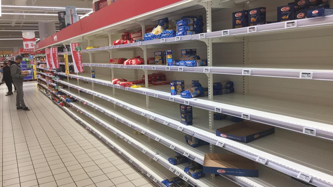 Hier, en fin d'après-midi, le rayon pâtes du magasin Auchan de Calais était bien vide...