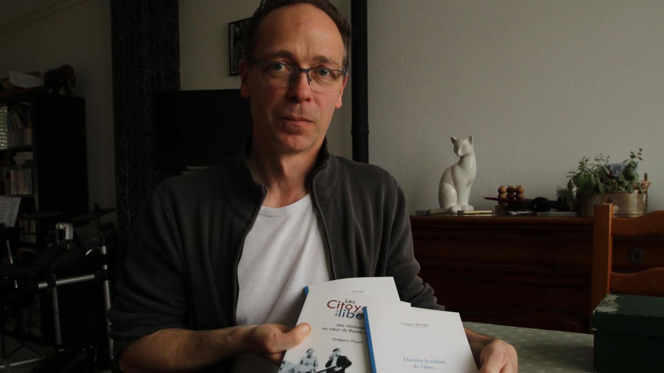 Grégory Picart assure lui-même la vente de son recueil de poèmes, vous pouvez aussi vous le procurer à la médiathèque.