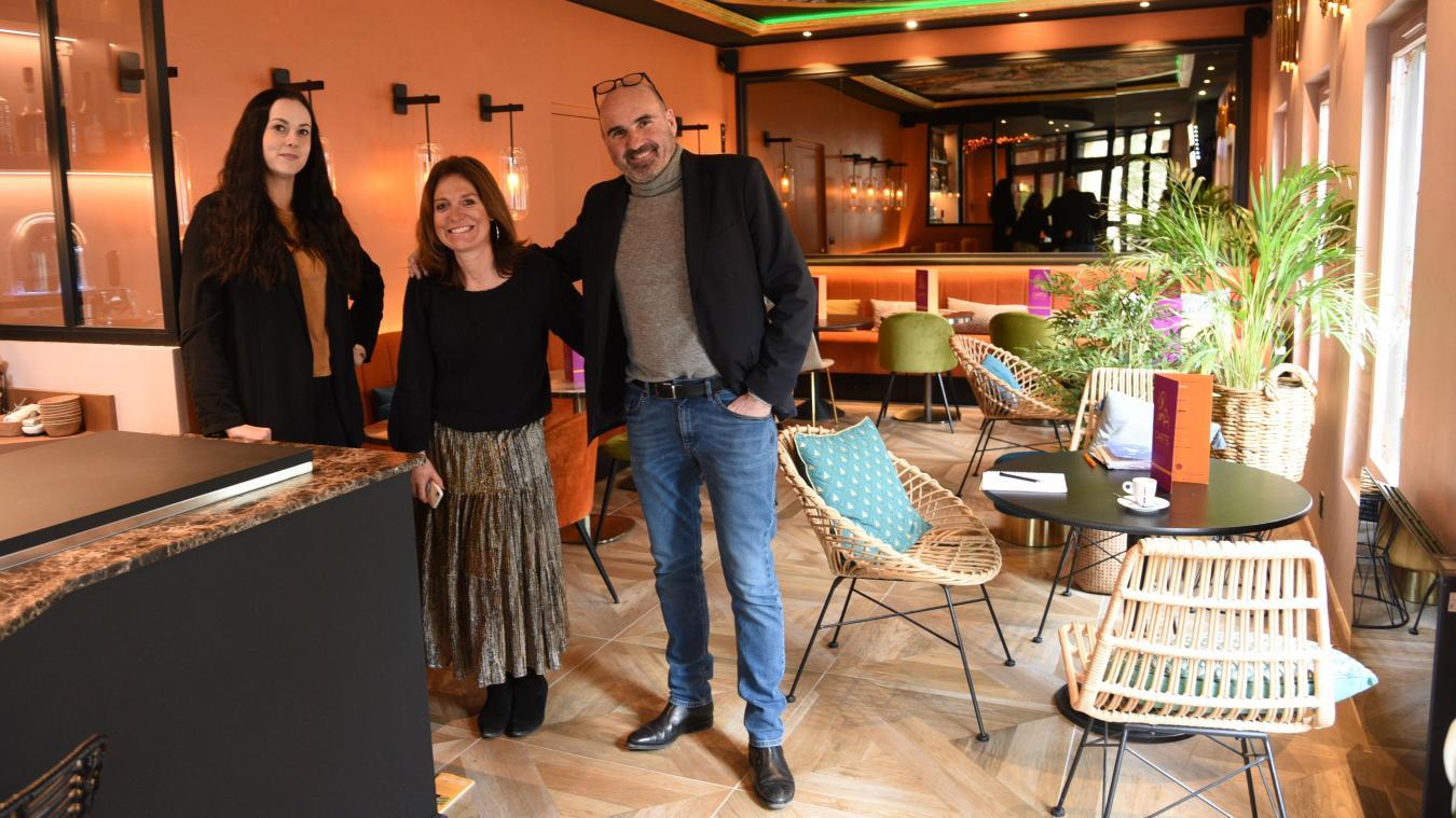 Rachel Lannoy, directrice de cet hôtel Ibis Styles, ainsi que de celui à Calais, accompagnée d'Anne-Solène et de Miguel Toulemonde, propriétaire de l'hôtel Ibis Centre Cathédrale.