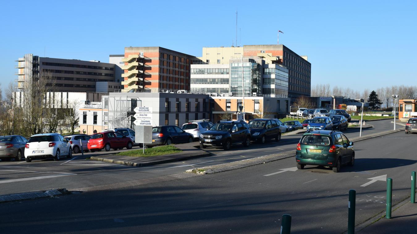 Le stationnement, la bête noire de l'hôpital Duchenne qui offre pourtant près de 1 700 places de parking sur son site.