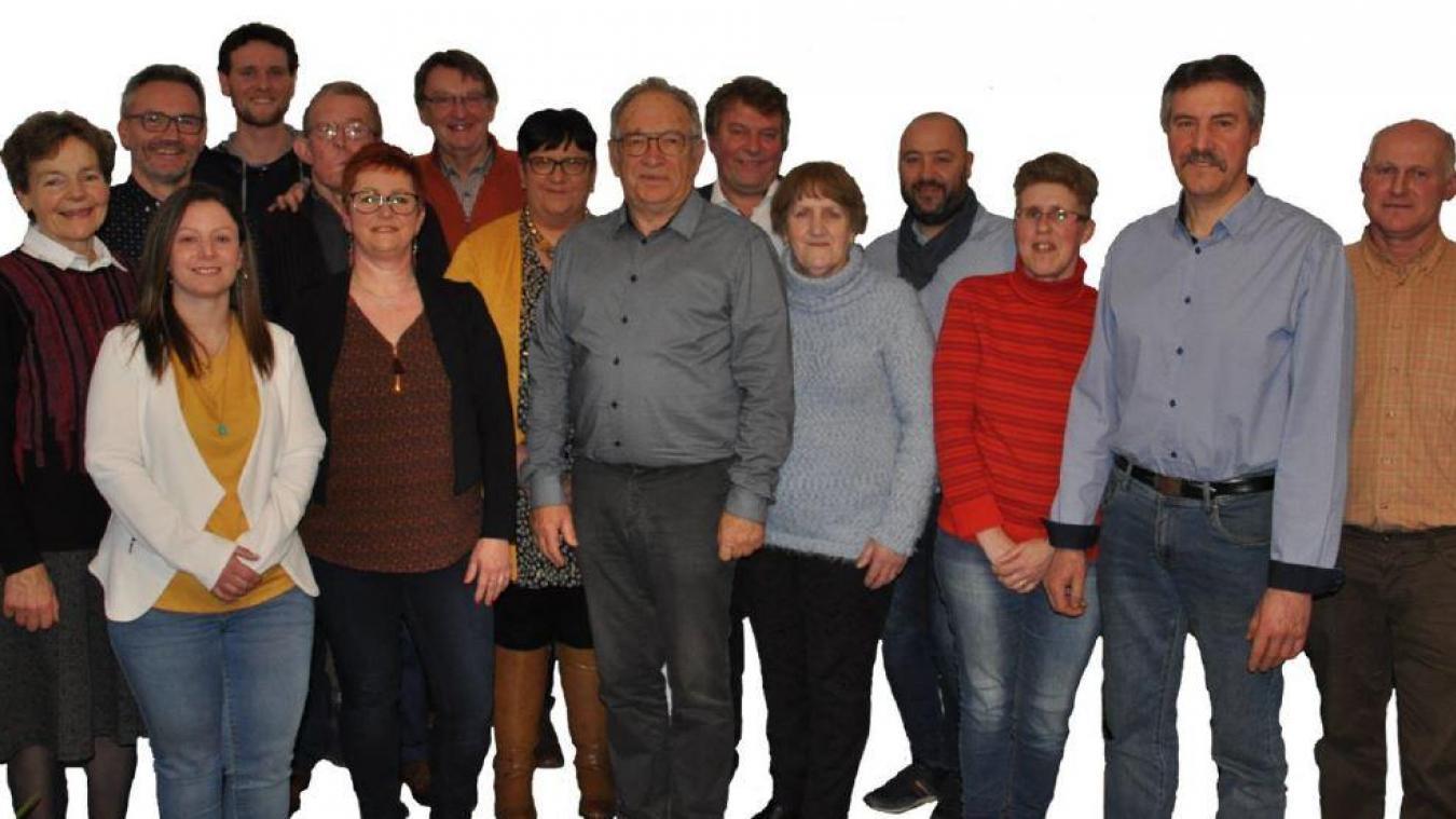 Alain Deblock et ses colistiers prônent « l'union, la sérénité et l'expérience ». L'équipe compte huit élus sortants et sept nouveaux.