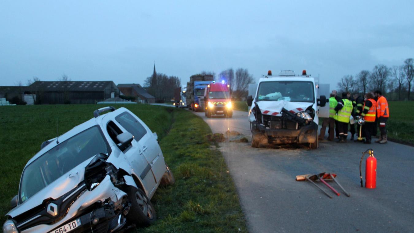 Une collision impliquant quatre véhicules à Wemaers-Cappel