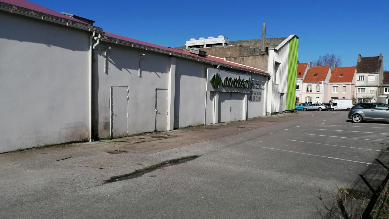 Le Carrefour contact a annoncé sa fermeture sur les réseaux sociaux.