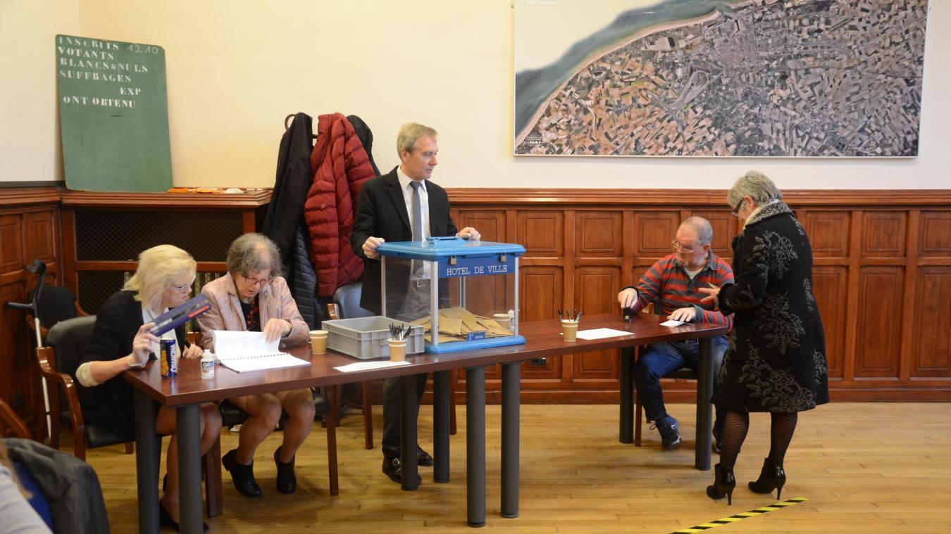 Municipales 2020 : une participation « correcte » dans les bureaux de Calais