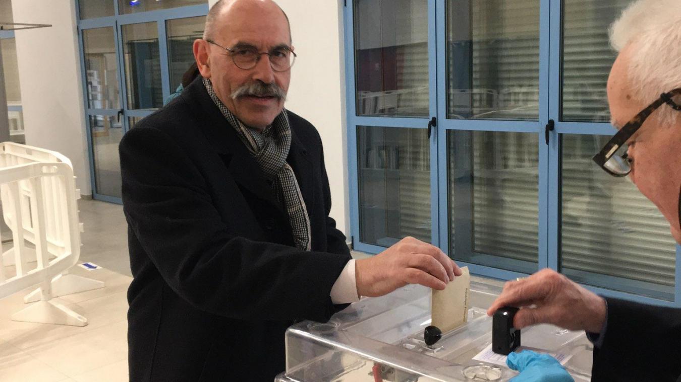 Le maire sortant de Bapaume, Jean-Jacques Cottel, a voté à 9h45.