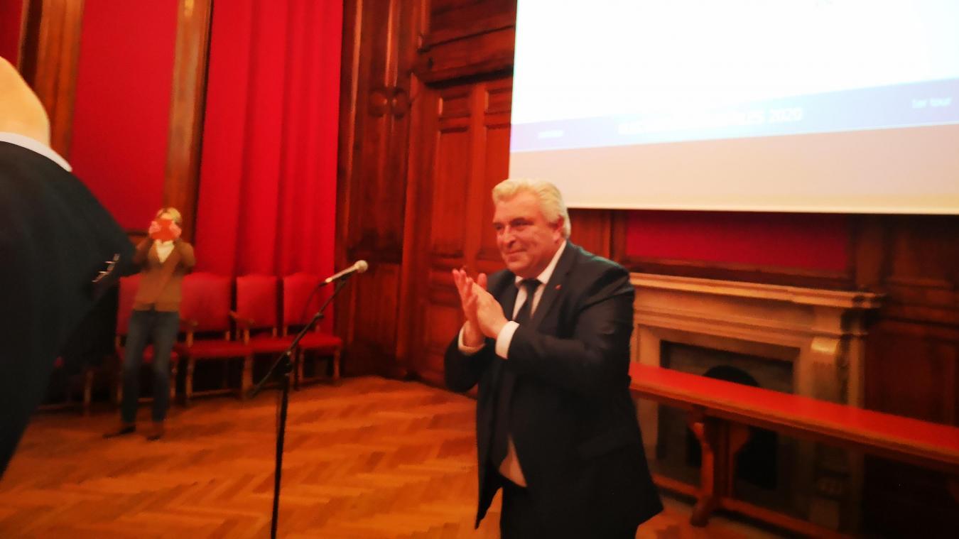 Frédéric Cuvillier s'impose très largement avec près de 67 % des voix dès le premier tour de scrutin.
