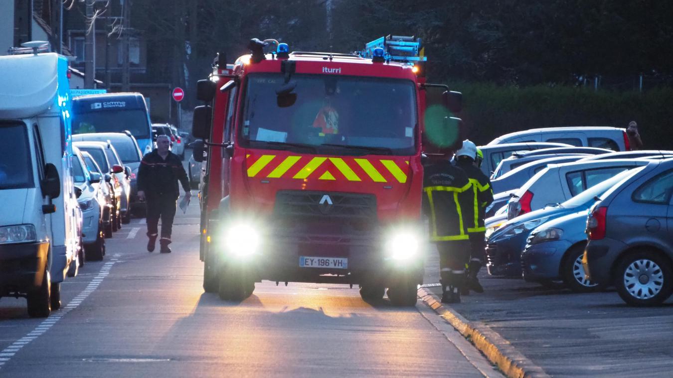 Les sapeurs-pompiers de Calais se sont rendus rue Voltaire lundi en fin d'après-midi, mais il s'agissait d'une fausse alerte.