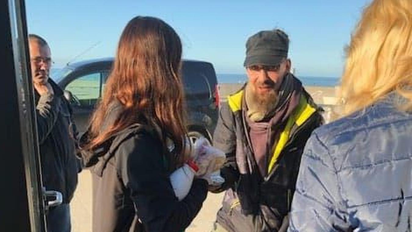 Dunkerque : il offre son stock de nourriture à des sans-abri