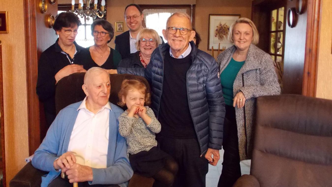 C'est chez lui, dans sa maison, entouré de ses filles, de sa famille et de la Municipalité, qu'André Carpentier a fêté ses 100 ans.