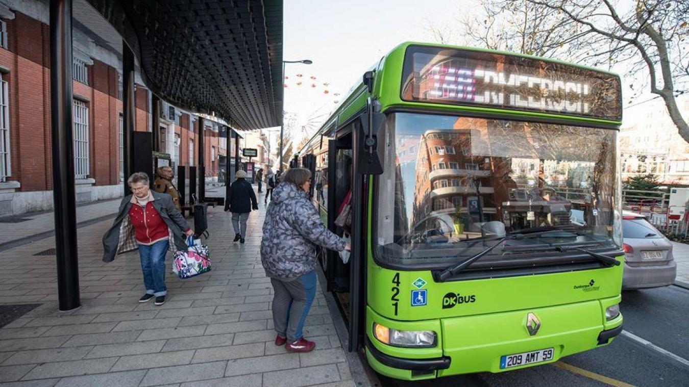 Il est désormais interdit de monter à bord des bus par l'avant.