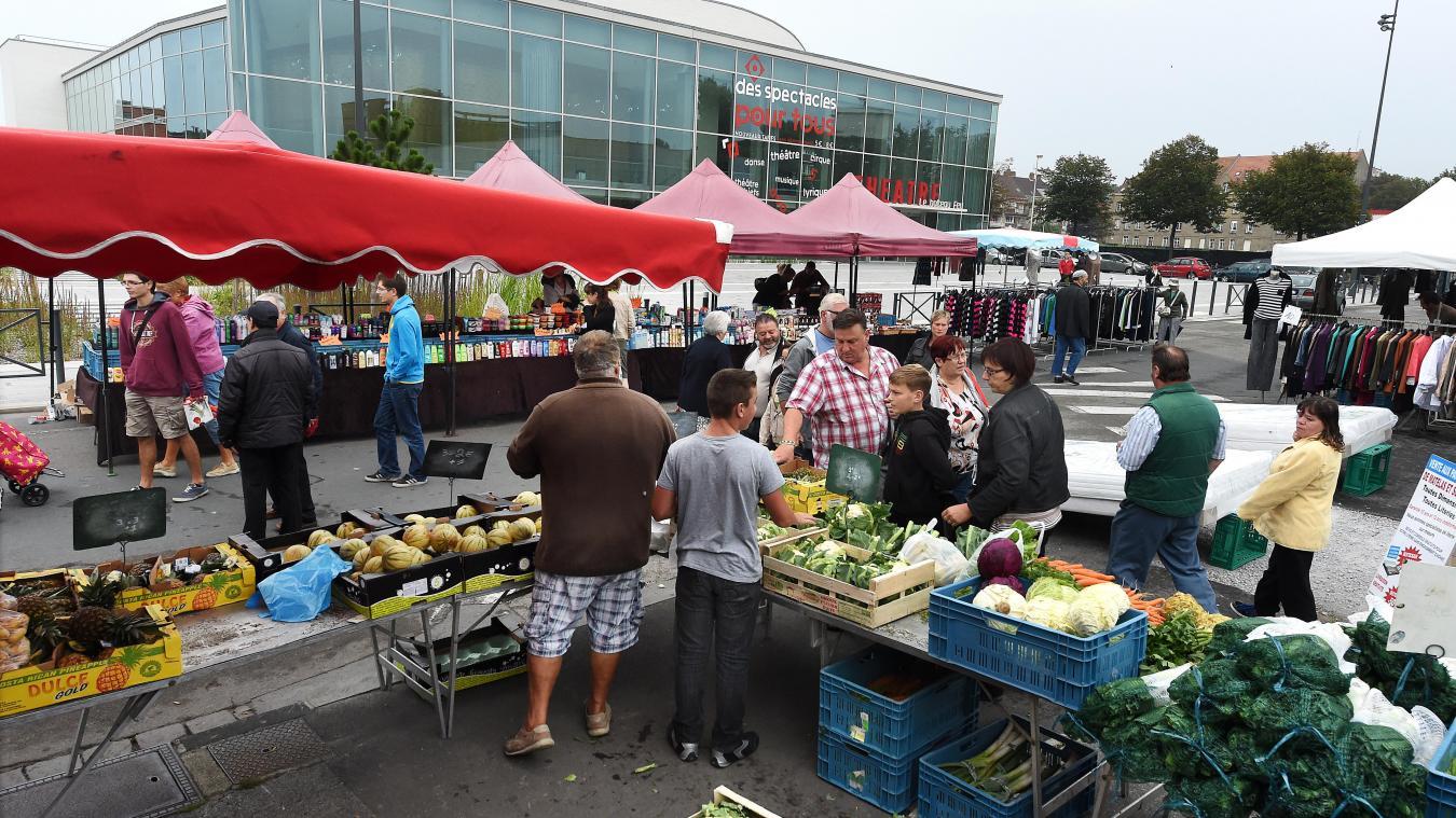 Seuls les commerçants proposant des produits alimentaires sont autorisés à déballer sur les marchés de Dunkerque.