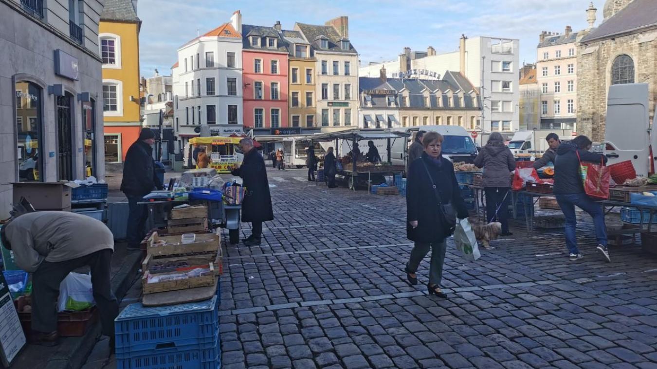 Il s'agit des marchés alimentaires de la Place Dalton, de la Place Vignon et du quai Gambetta.