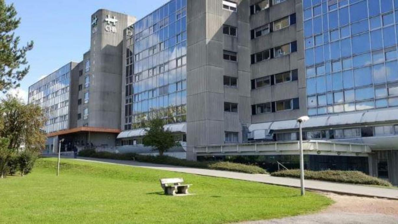 Au niveau du centre hospitalier de Béthune-Beuvry, 16 lits de réanimation et 33 lits d'hospitalisation conventionnelle ont été mis en place lundi 23 mars.