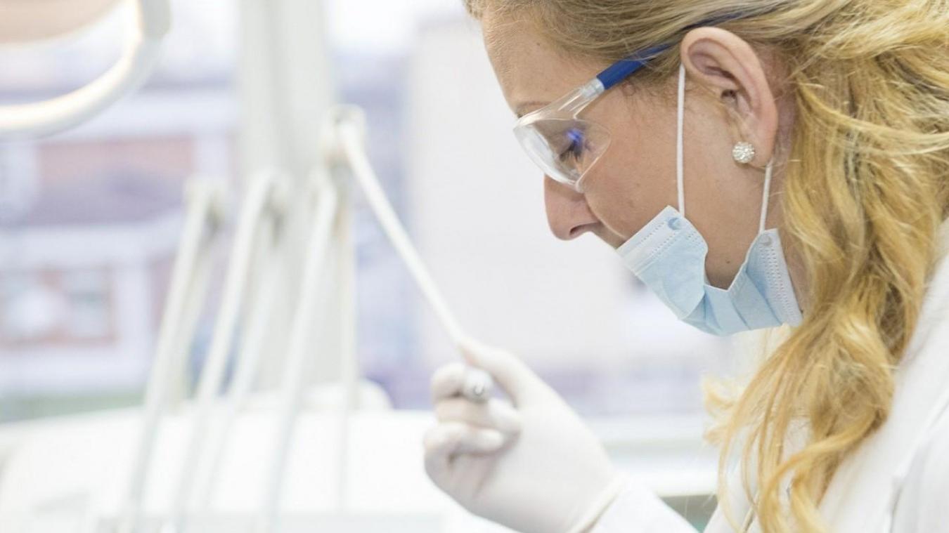 Coronavirus : créer ou porter un masque en tissu, est-ce une bonne idée?