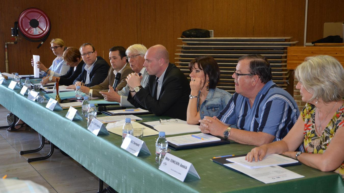 Stéphane Gouvart (à gauche) devrait être le poil-à-gratter de Julien Gokel (à droite), arrivé en tête dimanche dernier.