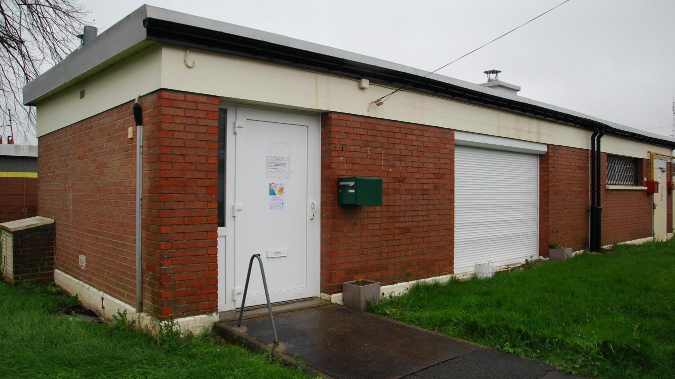 Le foyer se situe au cœur du lotissement Roland. Il est mis à disposition du centre communal d'action sociale par le bailleur Cottage.