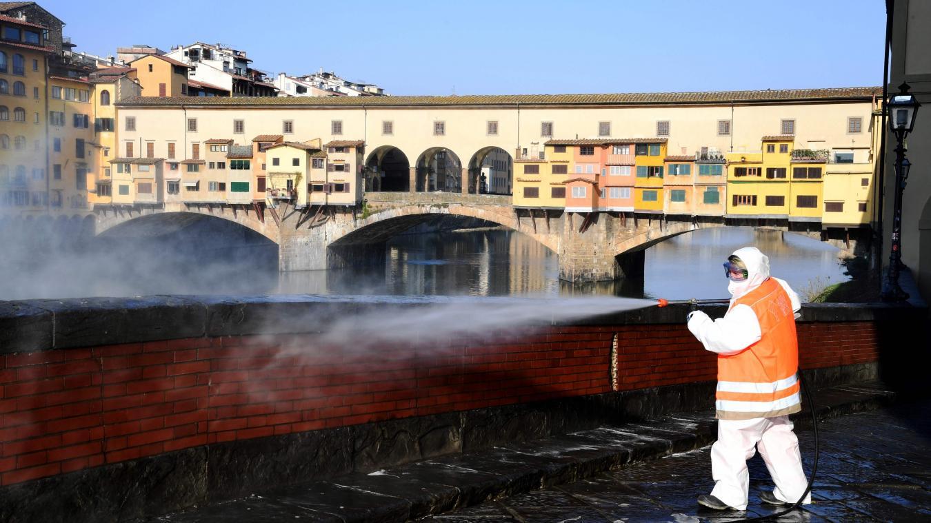 Les autorités italiennes ont annoncé 6.557 nouveaux cas positifs, un autre record inquiétant.