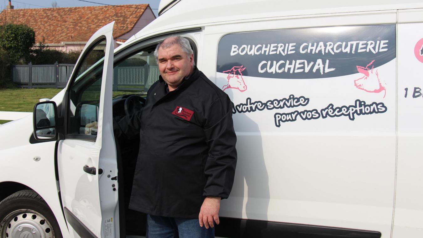 Christophe Cucheval assure un service de livraison pour les personnes qui ne peuvent se déplacer à la boucherie.