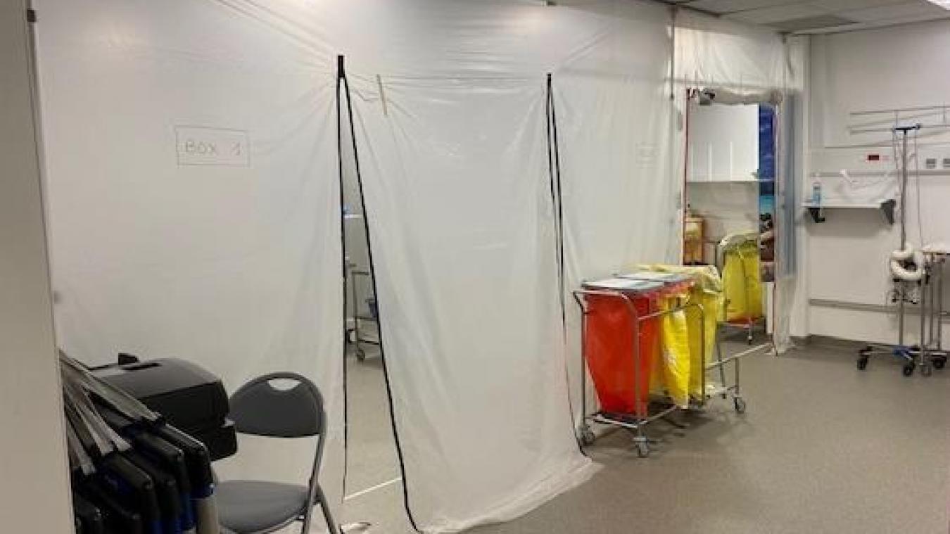 La salle de réveil du bloc opératoire a été préparée pour accueillir les patients les plus gravement atteints.