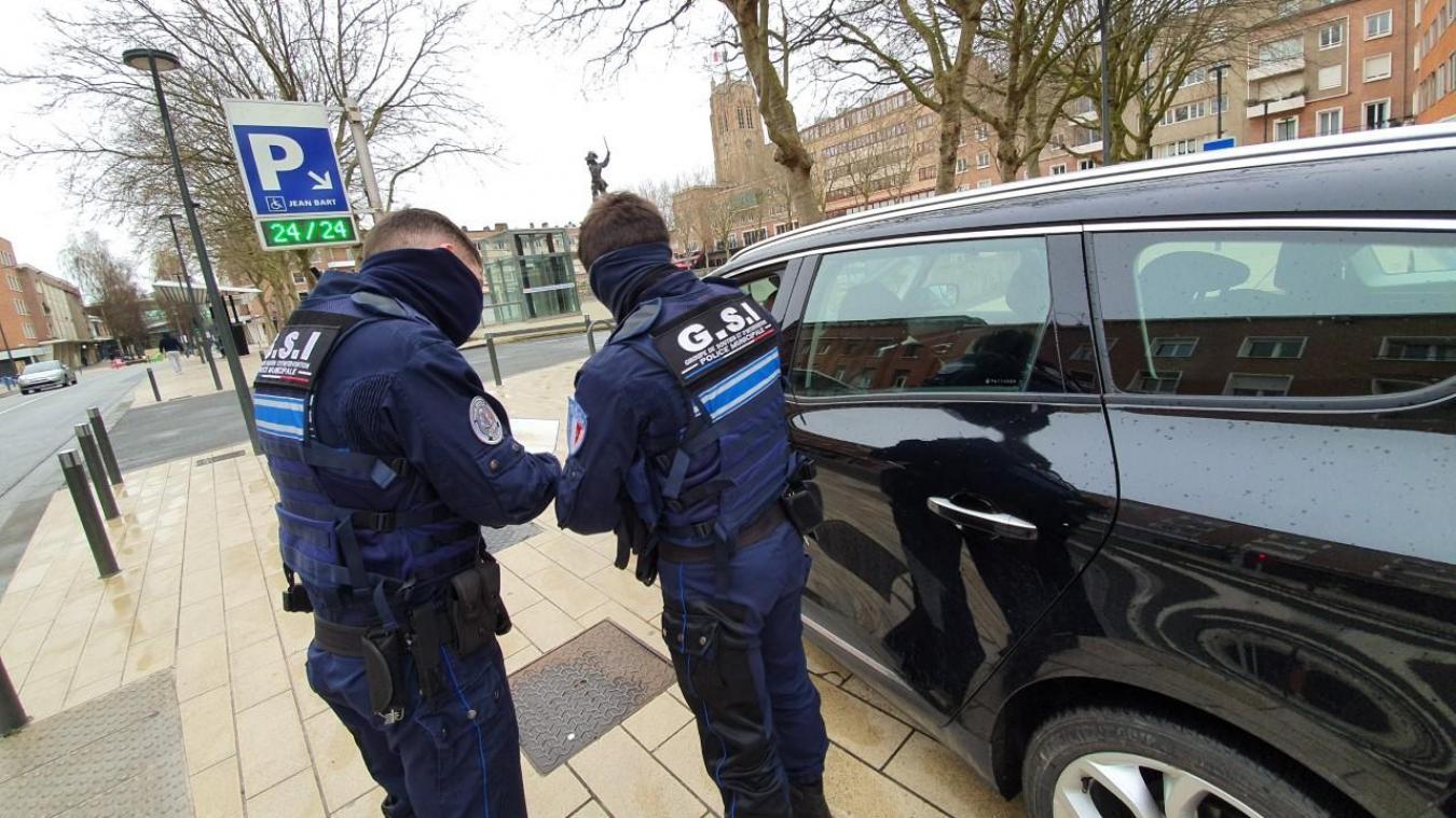 Les policiers municipaux sont aussi habilités à contrôler les déplacements et, le cas échéant, à verbaliser les contrevenants.