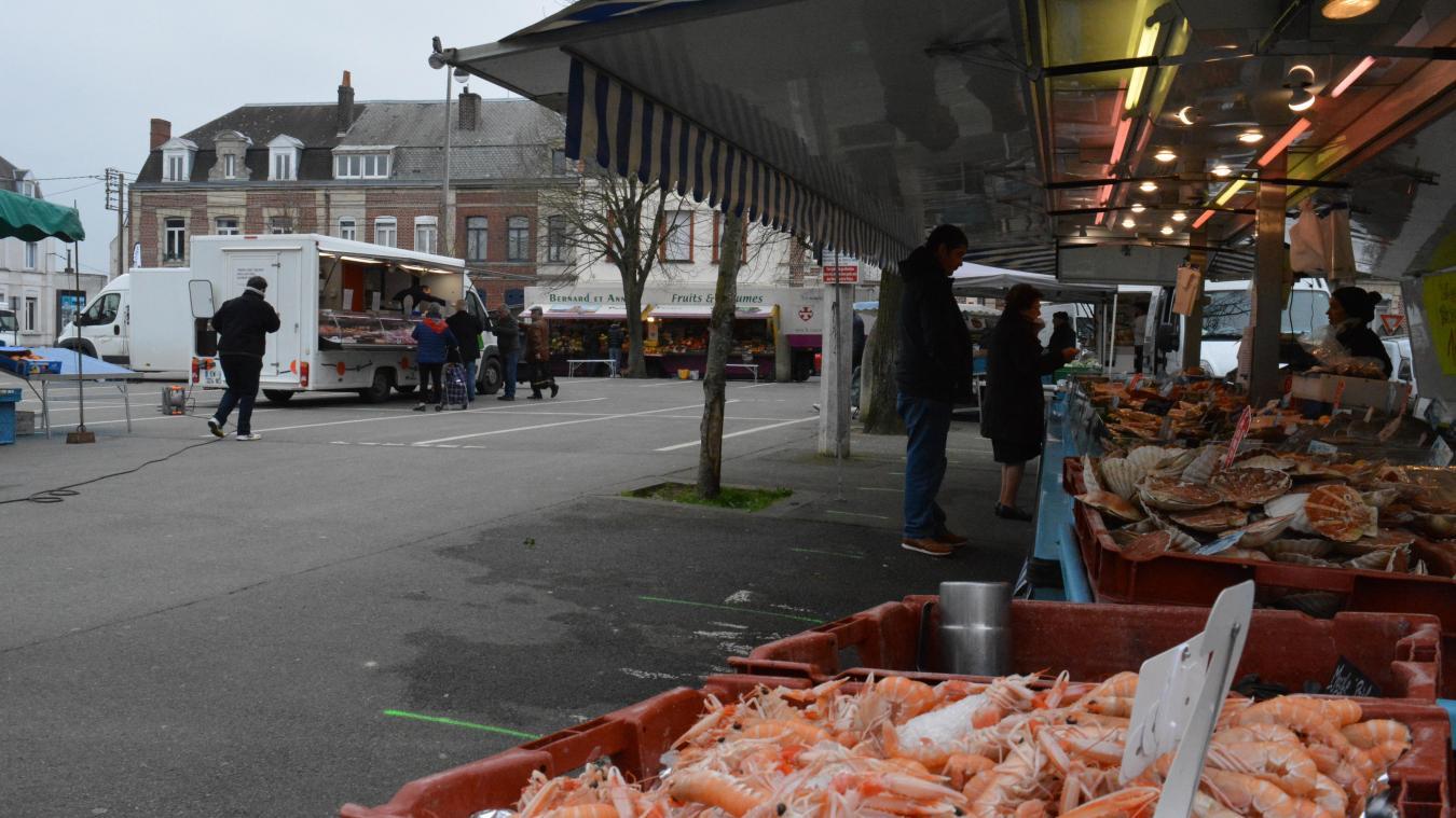 Les marchés du vendredi et du lundi sont interdits. La décision a été prise mercredi 25 mars par la Ville.
